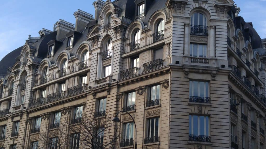 L'habitation «bourgeoise» n'interdit pas la présence de logements sociaux