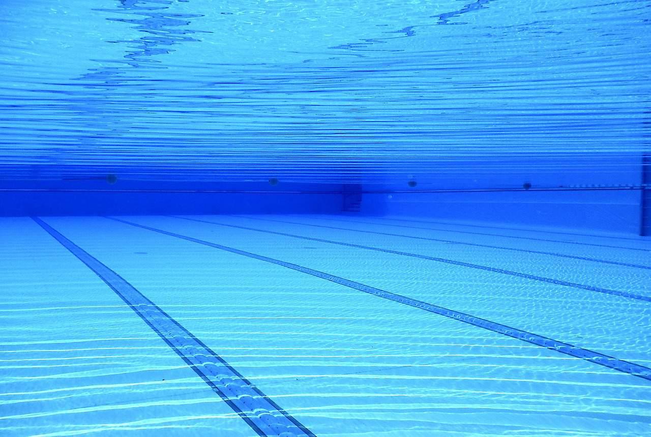 Squat de piscines : le bain de la discorde