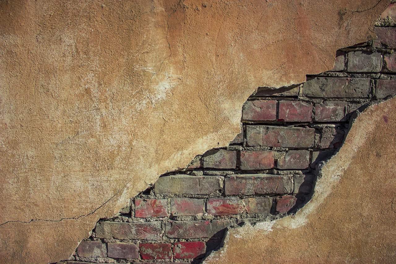 Fissures dans les murs : des locataires évacués le jour de Noël