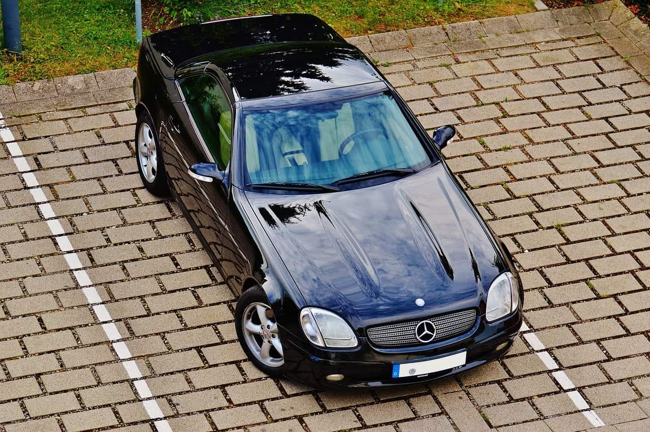 Quelles solutions pour une voiture garée sans droit sur un parking de copropriété ?