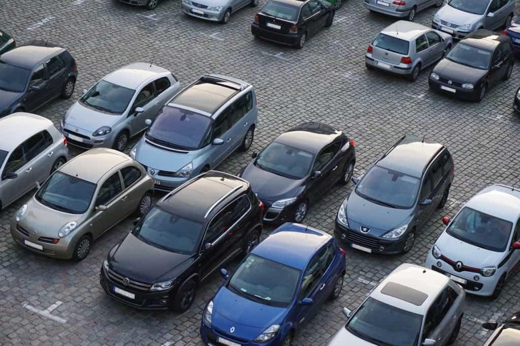 Déplacement de lots de parkings privatifs en copropriété : majorité requise ?