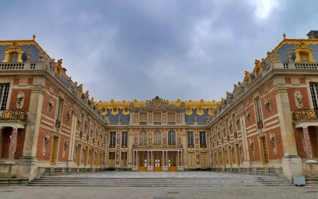 Yvelines. Logements meublés de tourisme : Versailles est une ville prisée